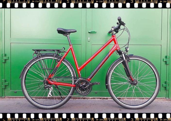 stevens albis piros női trekking kerékpár