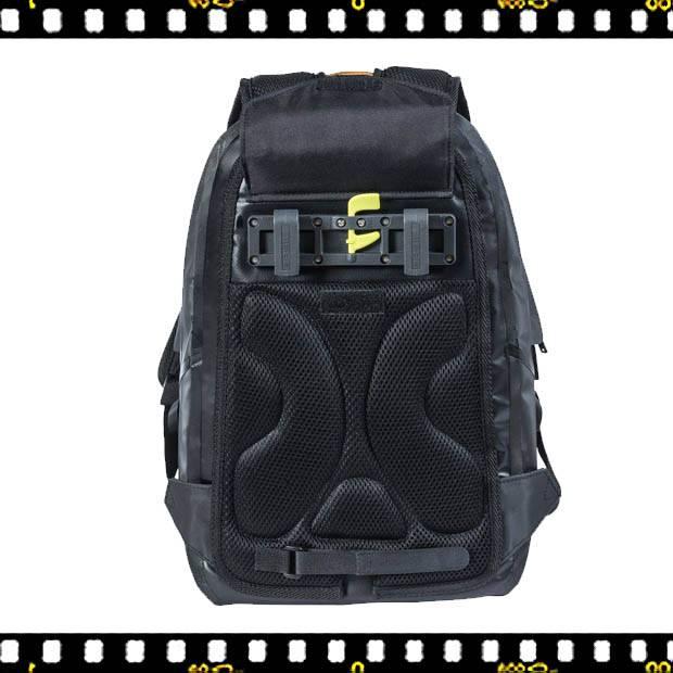 basil urban dry biciklis hátizsák rögzítővel