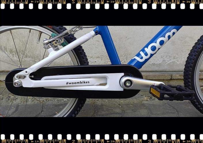 woom3 16-os méretű kék gyerek bicikli hajtómű