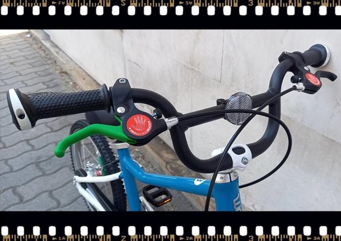 woom3 16-os méretű kék gyerek bicikli kormány