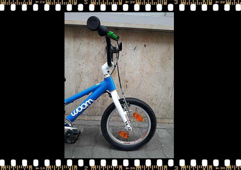 woom2 14-es méretű kék gyerek kerékpár