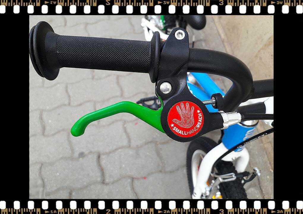 woom2 14-es méretű kék gyerek bicikli fék