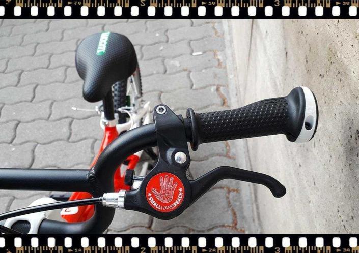 woom2 14-es méretű piros gyerek bicikli fék